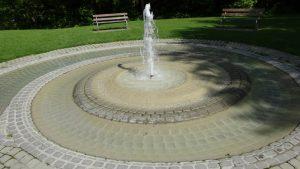 Brunnen als Spirale