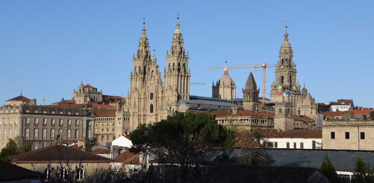 Kathedrale Santiago, gesehen ab dem Park